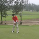 389018303_gay-dung-tu-tin-cho-cu-putting